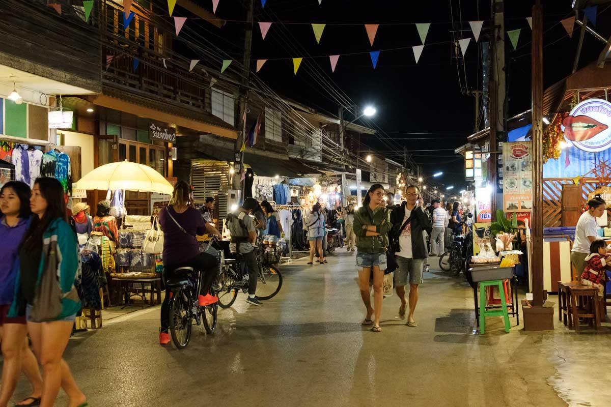 Thailande, Chiang Khan,  le marché de nuit