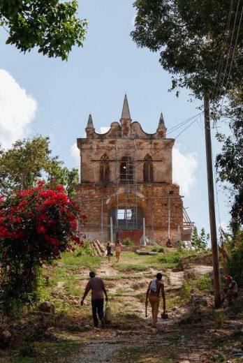 ... A l'Ermita de Nuestra Senora de la Candeleria de la Popa, datant du XVIIIème S.
