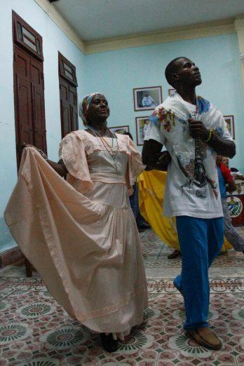 Cuba, Santiago, couple de danseurs de la tumba francesca