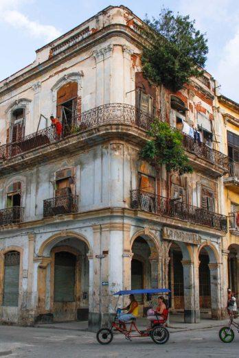 Cuba, La Havane, immeuble