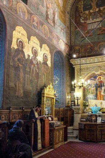 Roumanie, Bucarest, intérieur d'église
